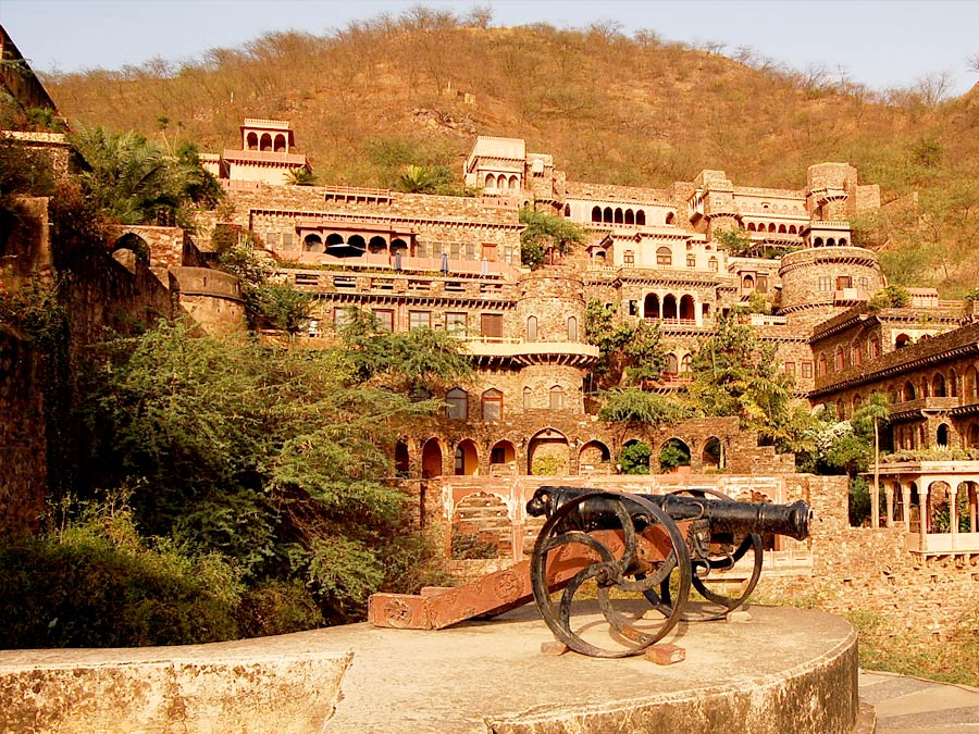 itinerary_neemrana_fort Wildlife Tour of India