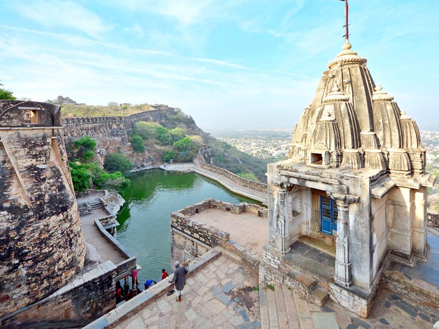 Udaipur Chittorgarh Day Tour - Golden Triangle Holiday