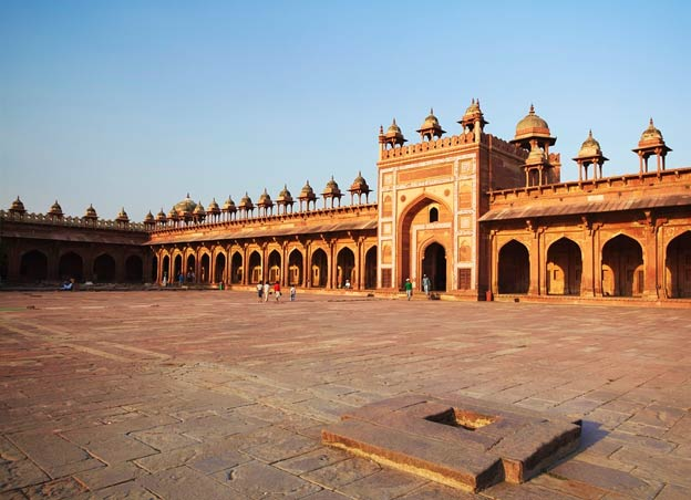 pages_featured_fatehpur_sikri